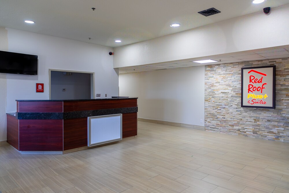 Gallery image of Red Roof Inn & Suites Savannah I 95