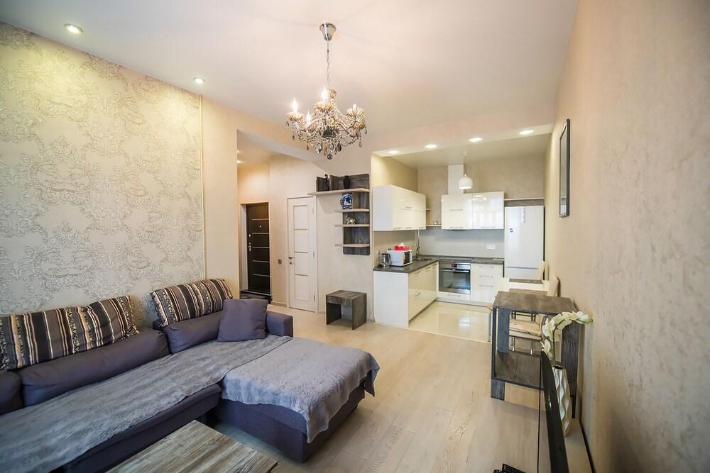 Apartment on Komarova 58 267