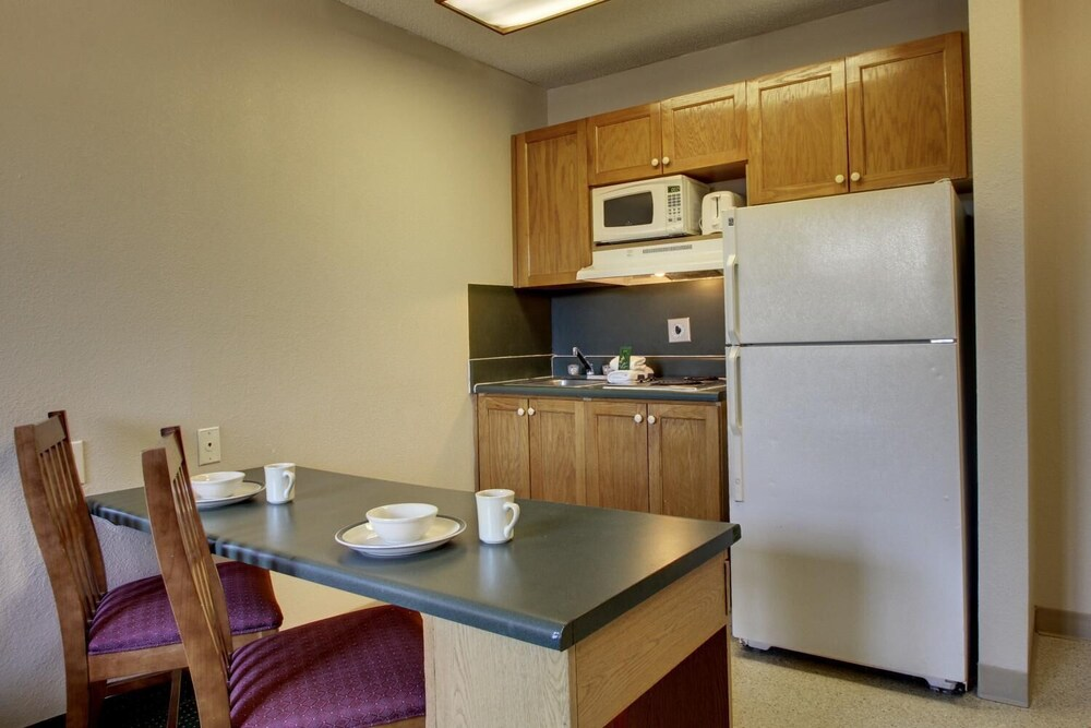 Gallery image of InTown Suites Extended Stay Nashville TN Madison