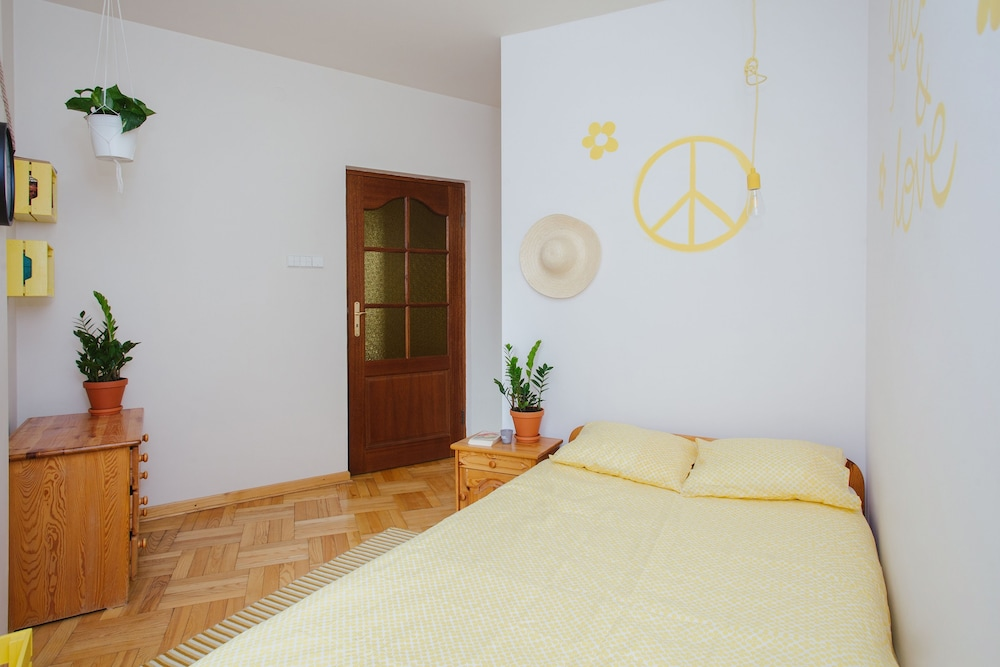 Lucka Rooms Yellow Submarine B24.1