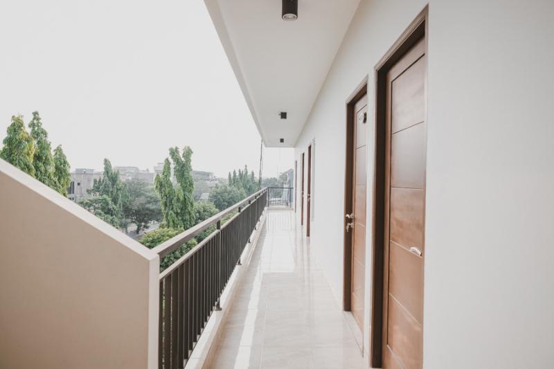 Gallery image of RedDoorz near Taman Palem