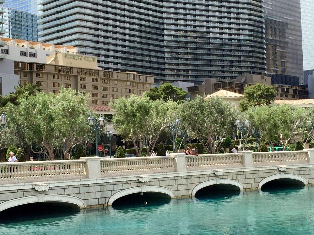 Jockey Resort Suites Center Strip