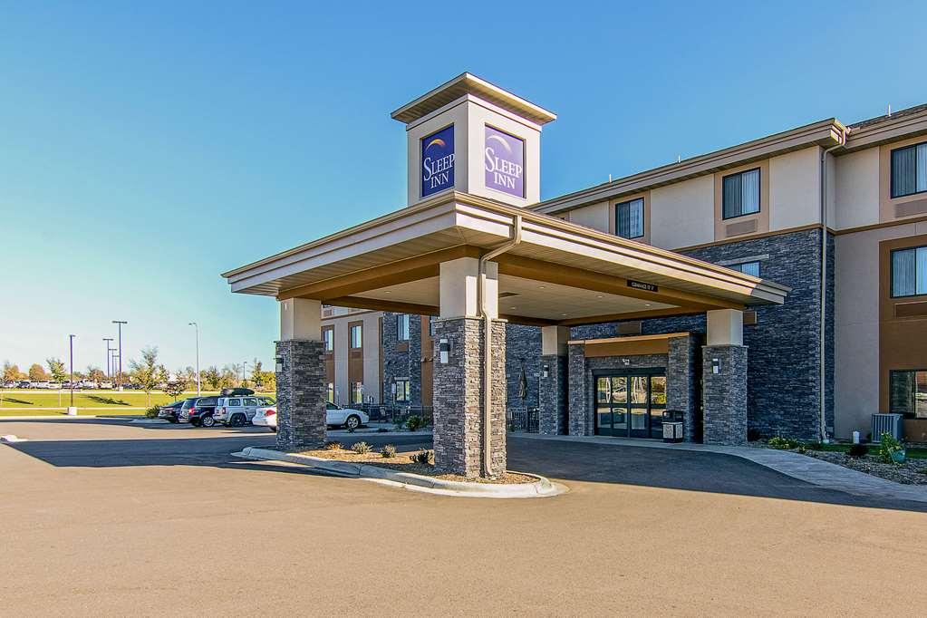 Sleep Inn & Suites West Near Medical Center