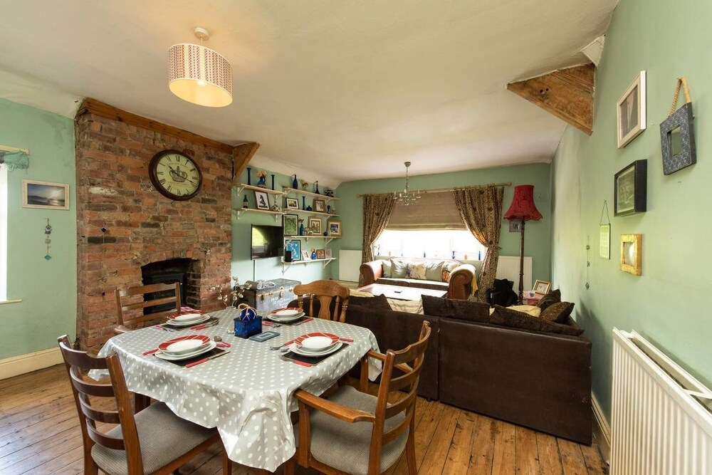 Beautiful 2 bed Home in Chorlton Manchester for 6
