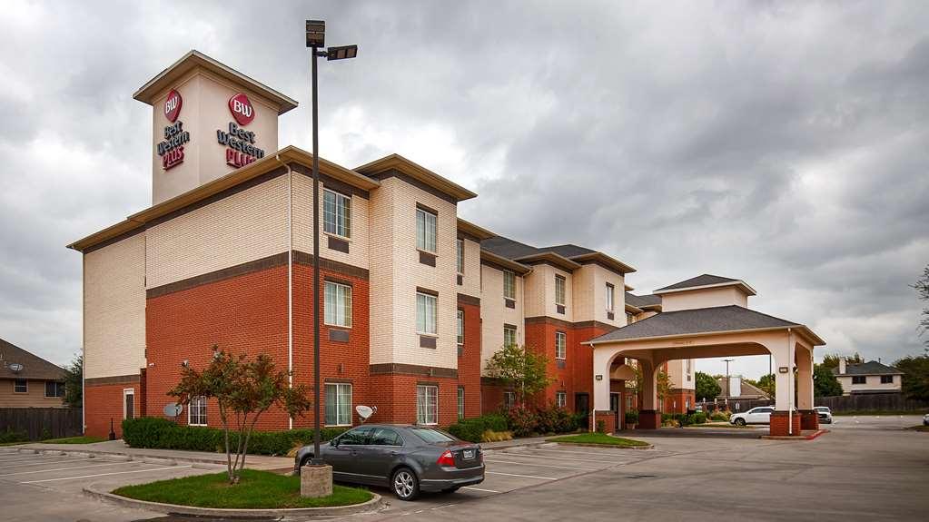 Best Western Plus Lake Dallas Inn & Suites
