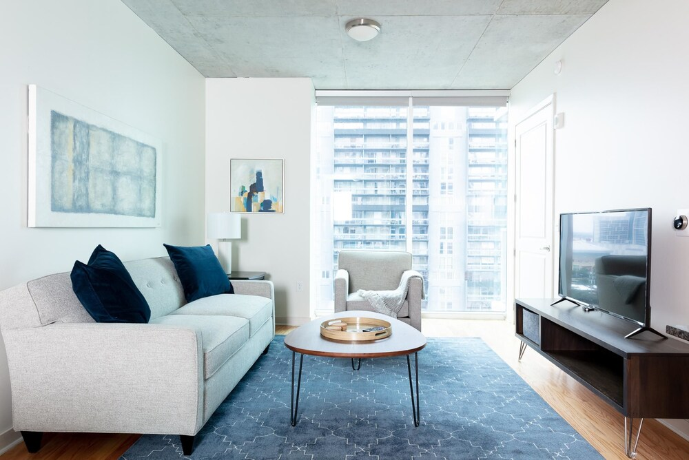 Serene 1BR Rooftop Pool Downtown Houston