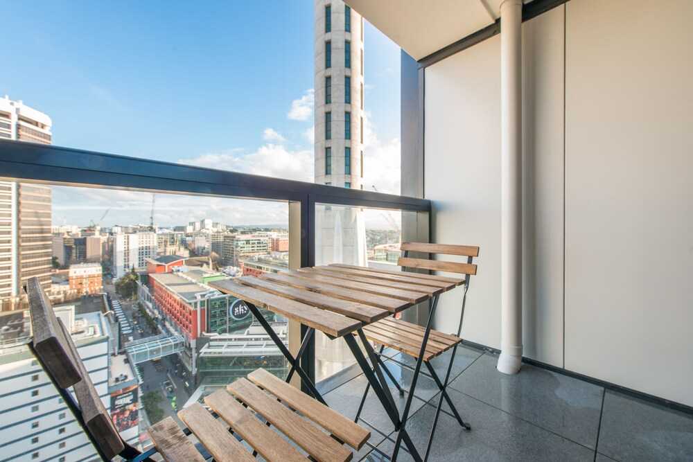 2 BRM apartment Opp to SkyTower view