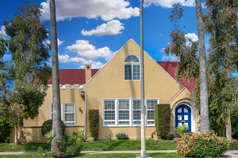 Historic Family 5 Br Home