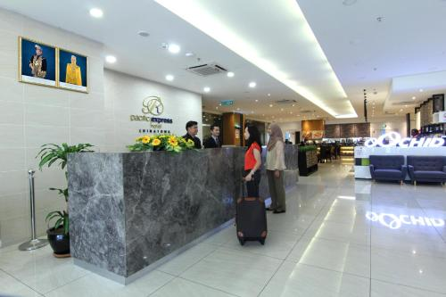 Pacific Express Hotel City Centre