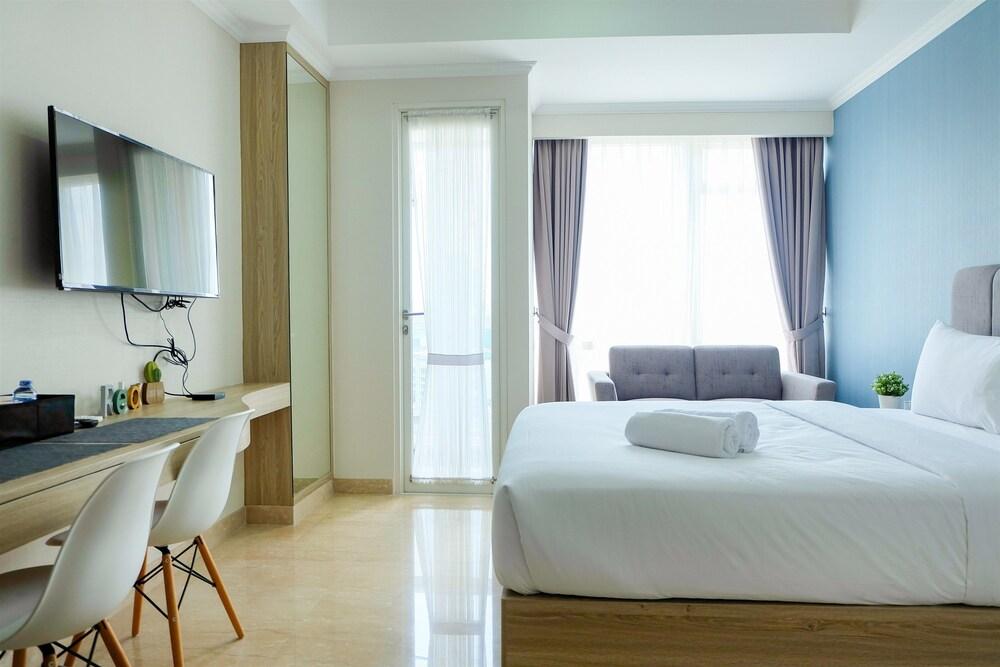 Exclusive Studio Menteng Park Apartment By Travelio