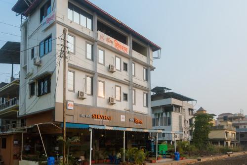 OYO 26179 Hotel Shivrai