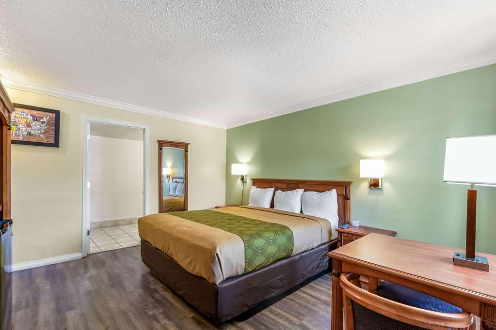 Gallery image of Econo Lodge Woodland