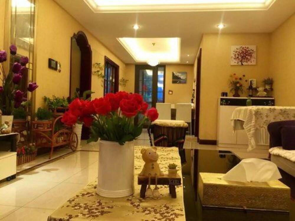 Qingdao Seaside Resort Apartment