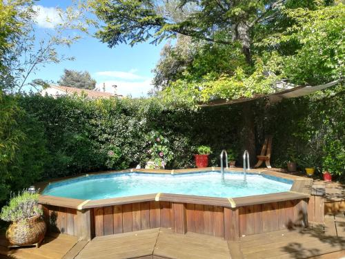 Grand studio avec piscine