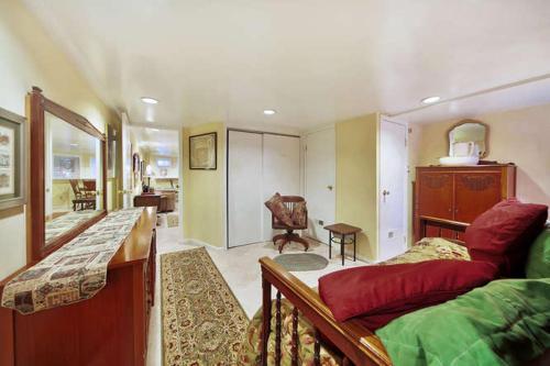 134 Southeast Apartment #1024 1 Br Apts