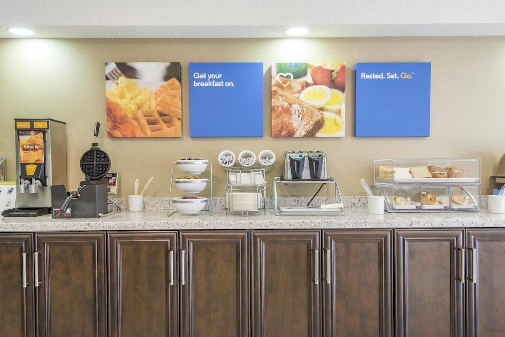 Gallery image of Comfort Inn North Bay Lakeshore