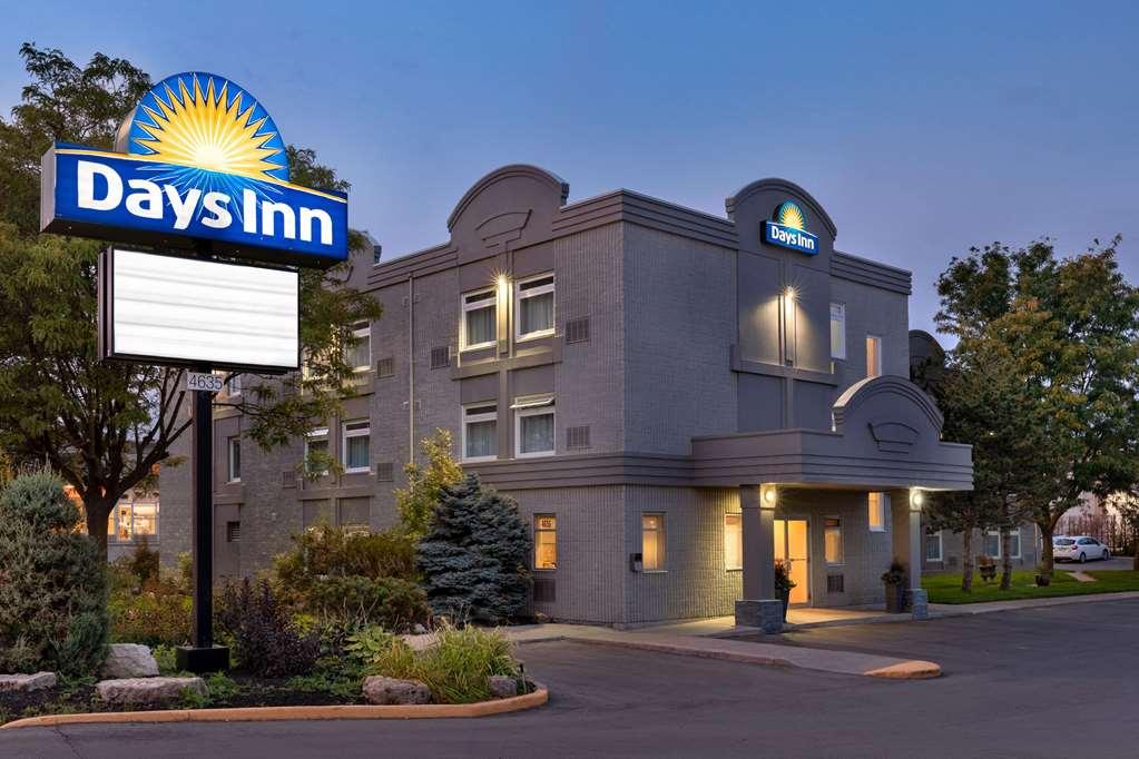 Gallery image of Days Inn by Wyndham Toronto West Mississauga