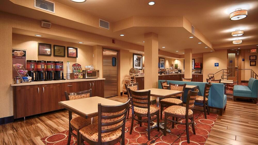 Gallery image of Hampton Inn & Suites Santa Ana Orange County Airport