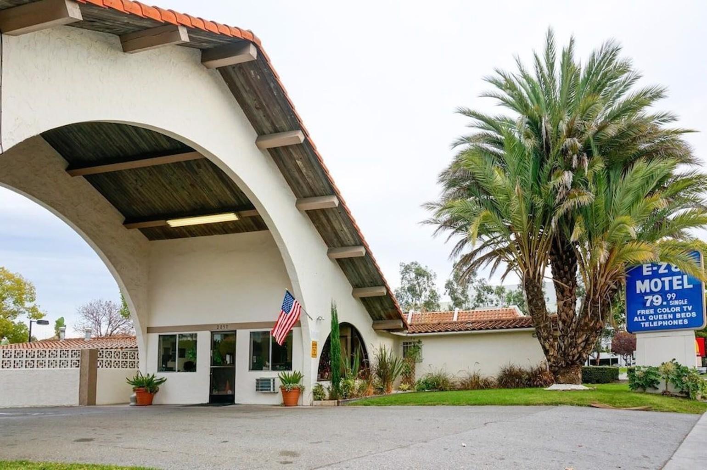 E Z 8 Motel San Jose Ii