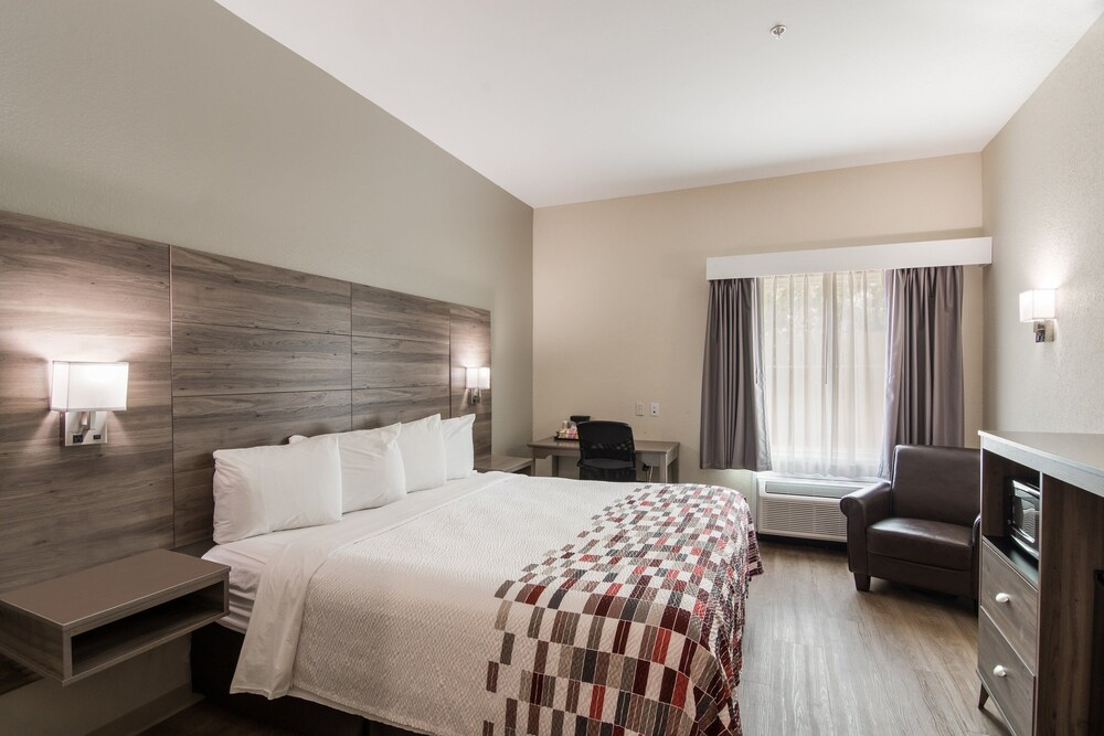 Gallery image of Red Roof Inn Panama City