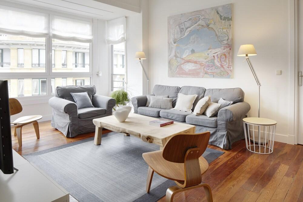 Zubiri Plaza Apartment By Feelfree Rentals