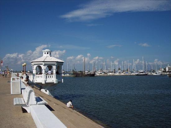Gallery image of Harbor Inn Bayfront