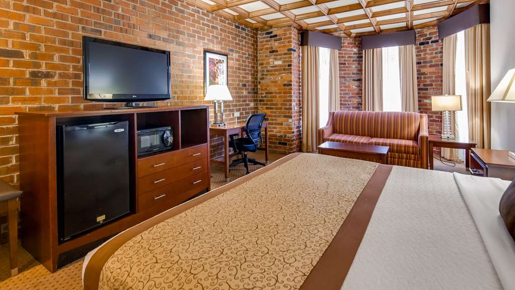 Gallery image of Best Western Plus Governor's Inn