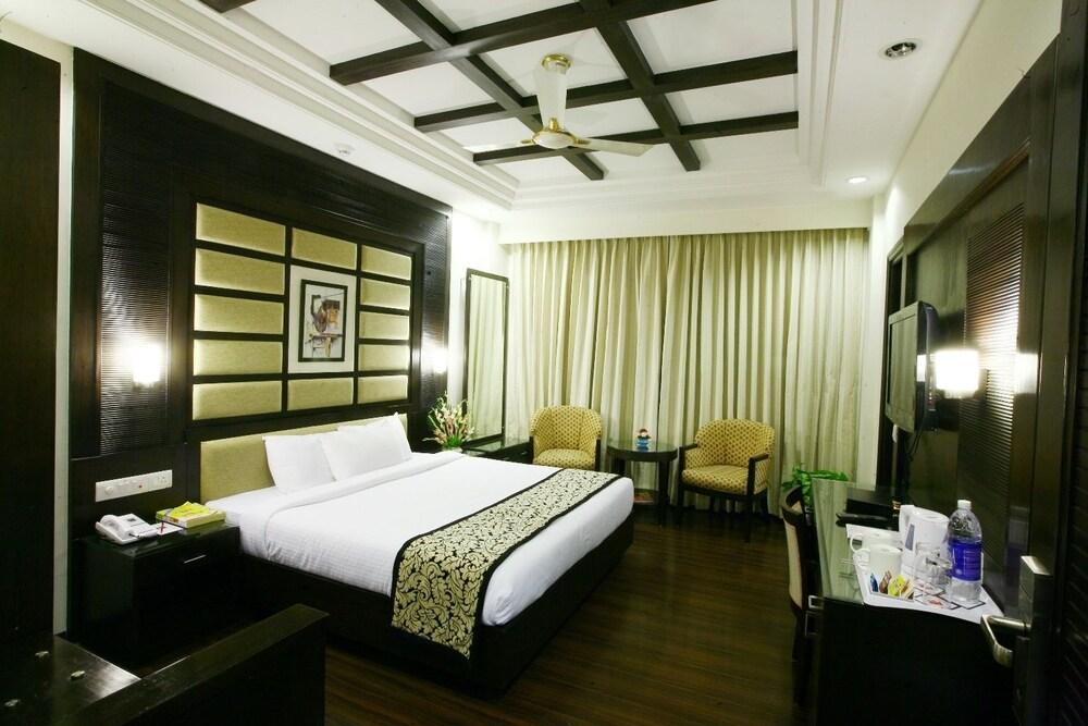 Karon Hotel Lajpat Nagar