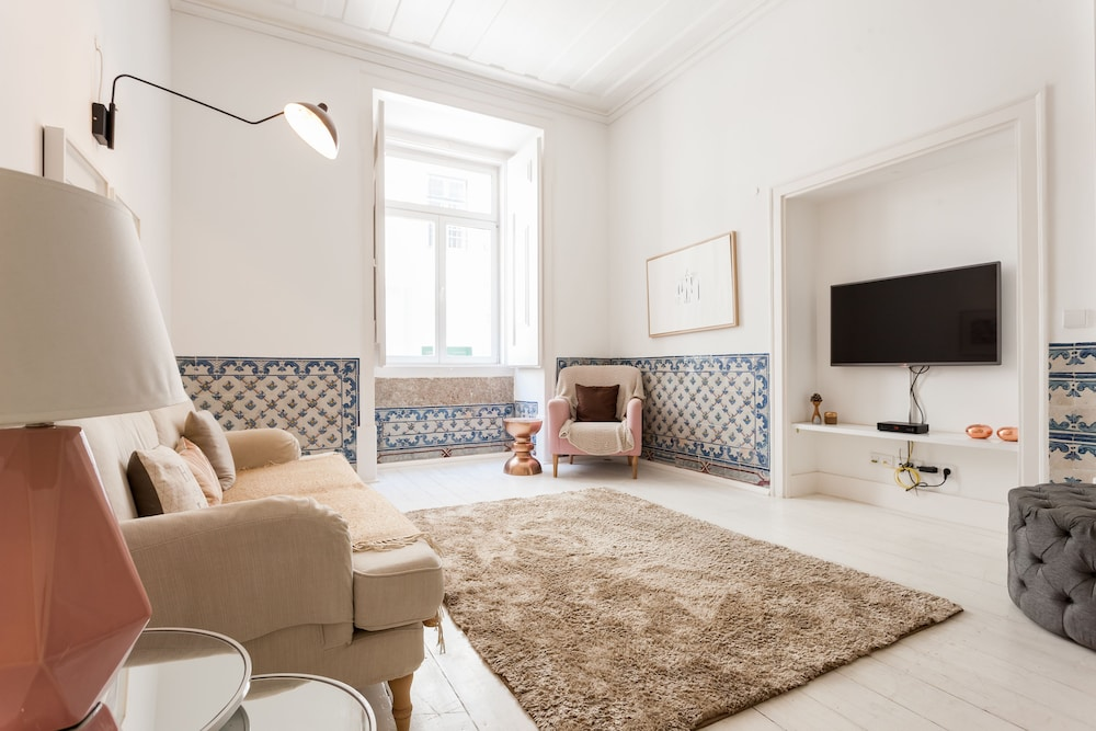 Baixa Tile Blue Two Bedroom Apartment by LU Holidays