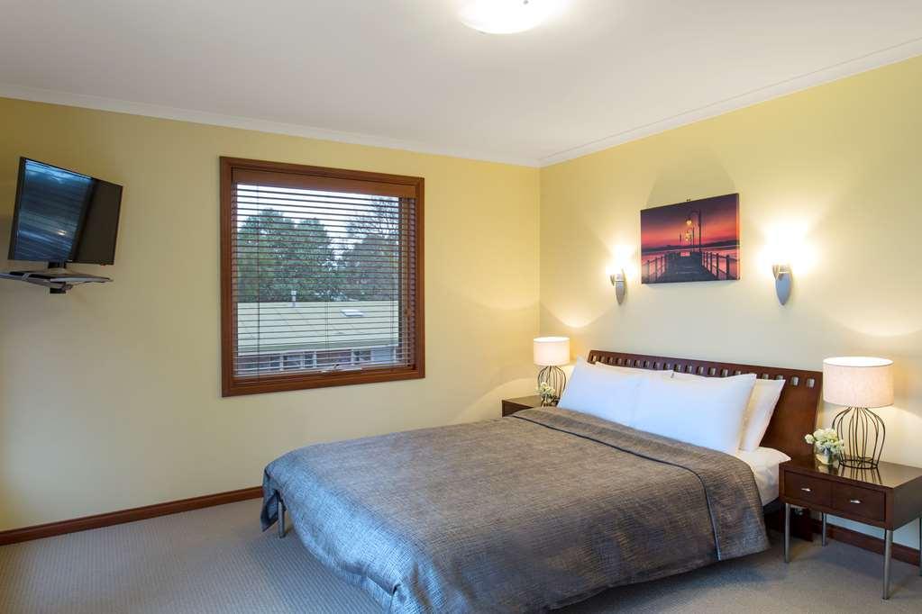 Gallery image of Best Western Colonial Village Motel