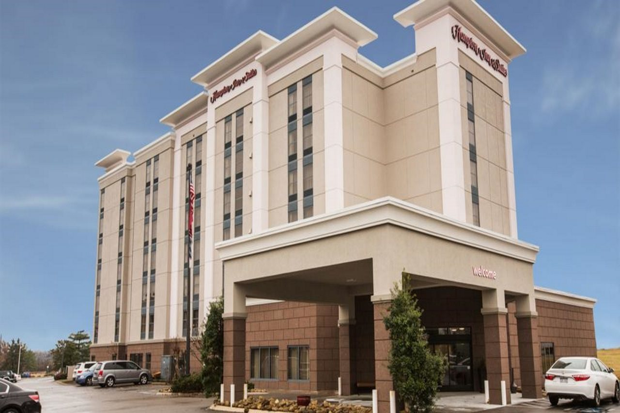 Hampton Inn and Suites Nashville Airport