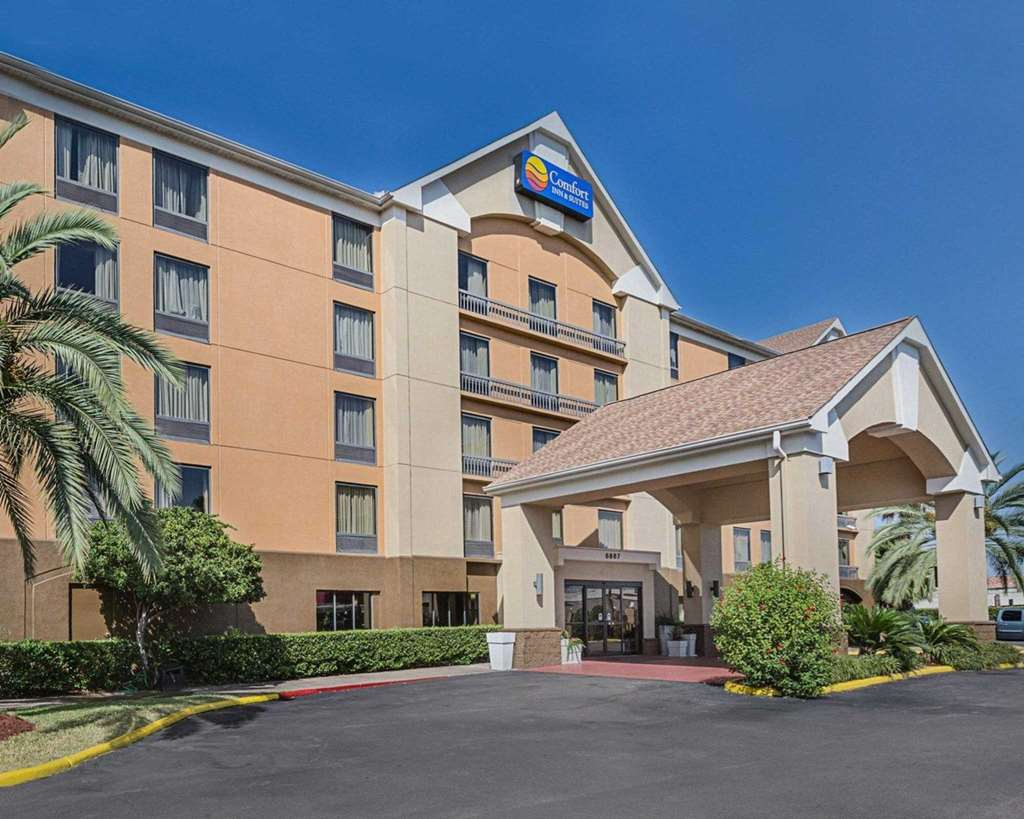 Comfort Inn & Suites Southwest Freeway at Westpark