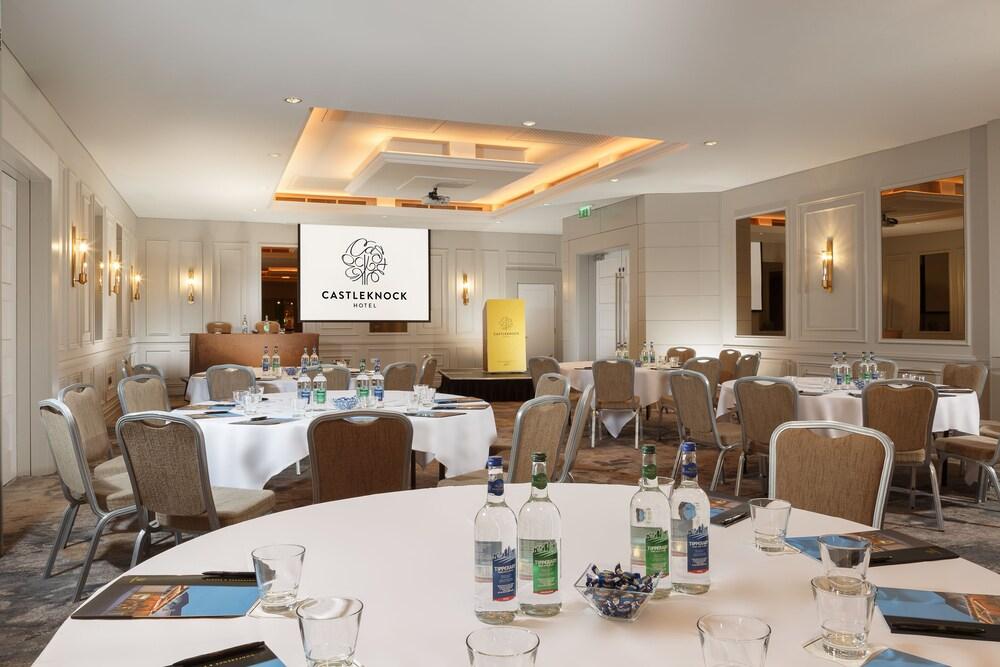 Gallery image of Castleknock Hotel