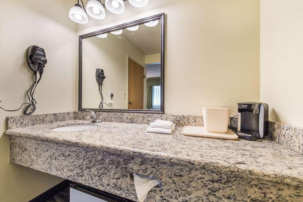 Gallery image of Quality Inn Bellevue