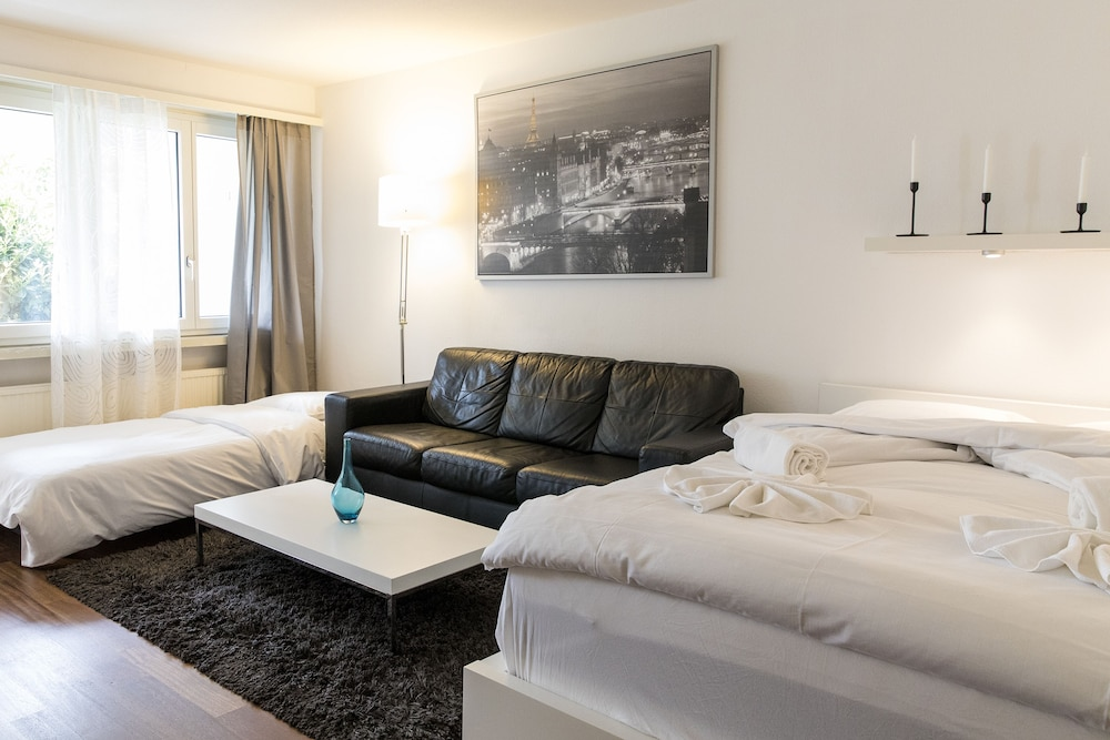 Stunning Modern Apartment POCKET WiFi