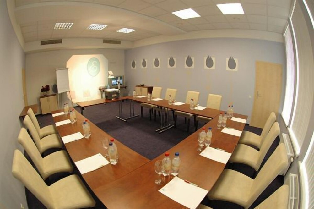 Gallery image of Good Stay Eiropa Hotel