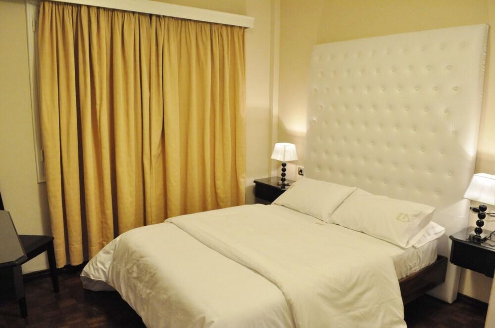 Gallery image of Alvear Hotel