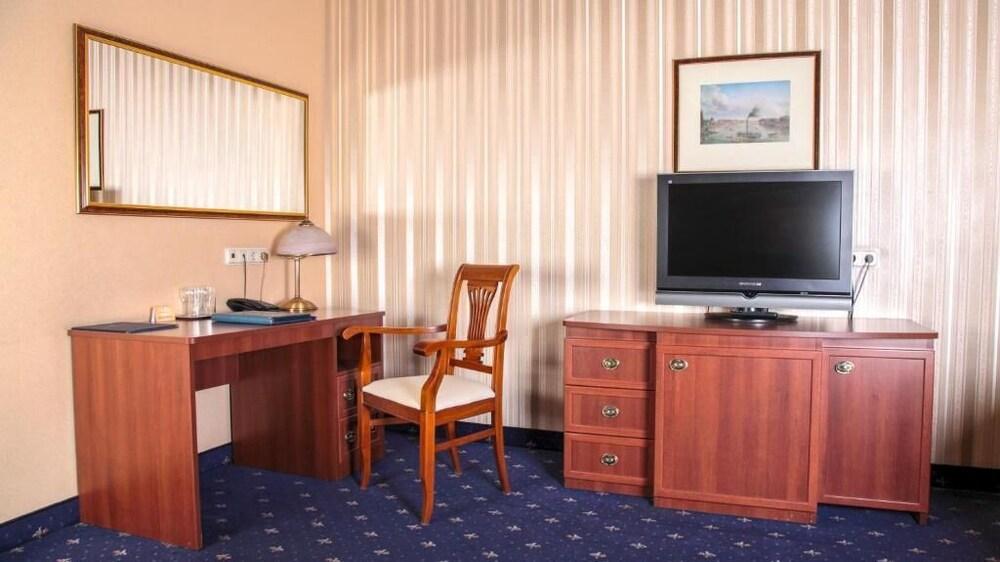 Gallery image of Belvedere Nevsky Business Hotel