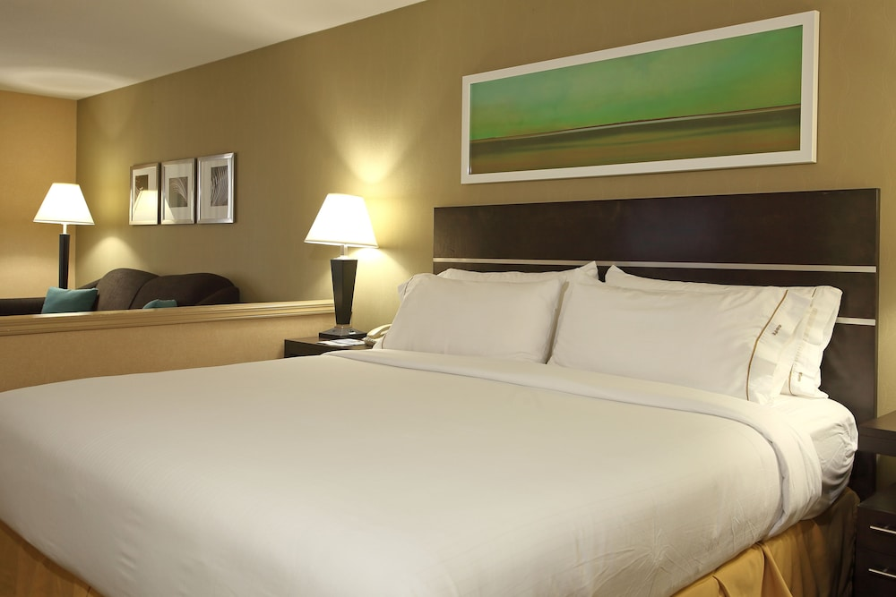 Gallery image of Holiday Inn Express And Suites Vernon