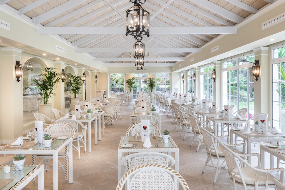 Gallery image of Hotel Riu Garoé
