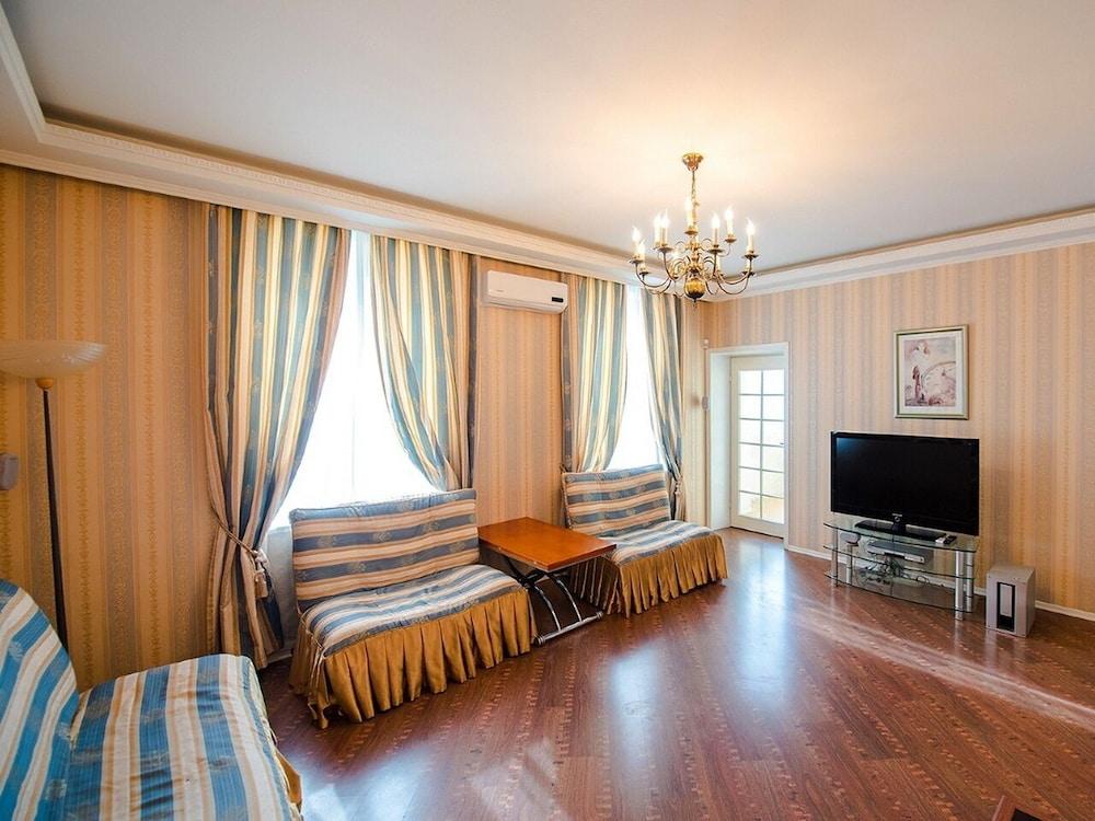 Apartment on Shevchenko 9 7