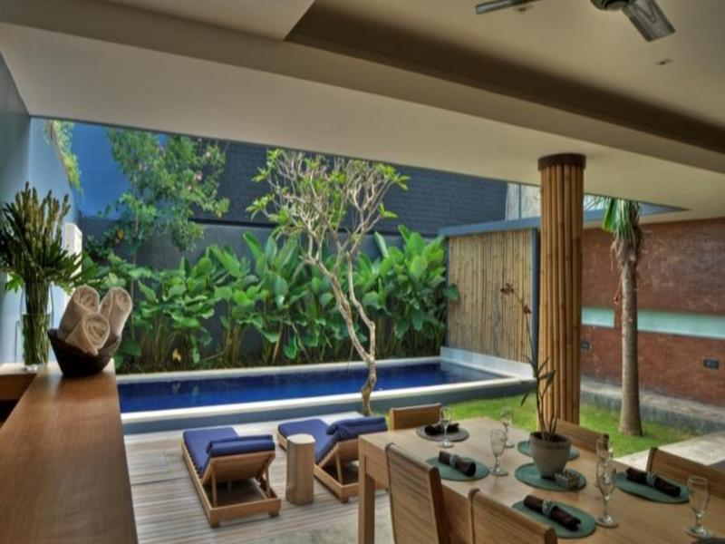 The Grove Villa Bumbak