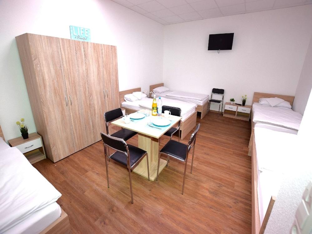 AB Apartment 09