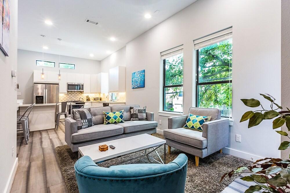 Montrose Guesthouse Suites