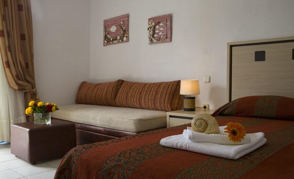 Gallery image of Porto Koufo Hotel