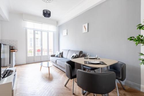 6 LAMARTINE Magnifique Appartement avec Balcon Hyper Centre