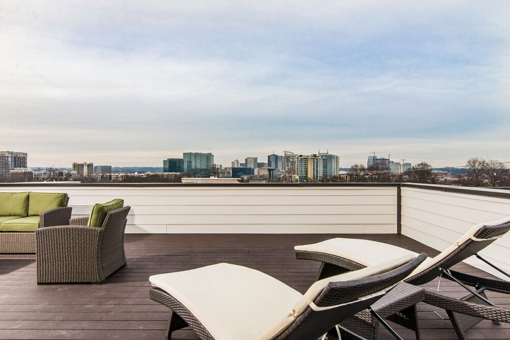 Two Townhomes W Epic Skyline Views 6 Bedroom Home