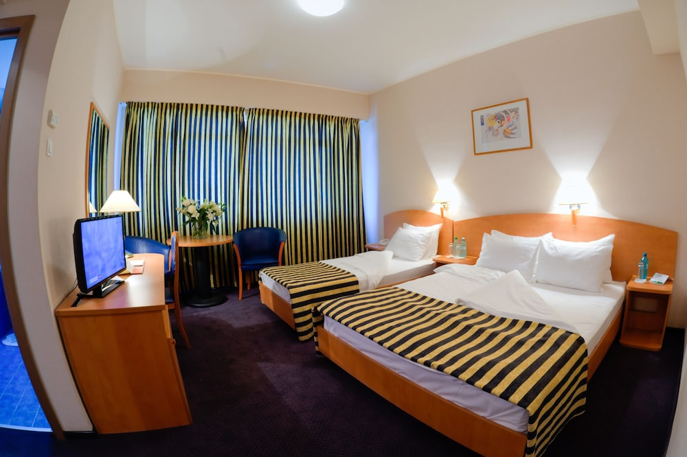 Gallery image of Hotel Class