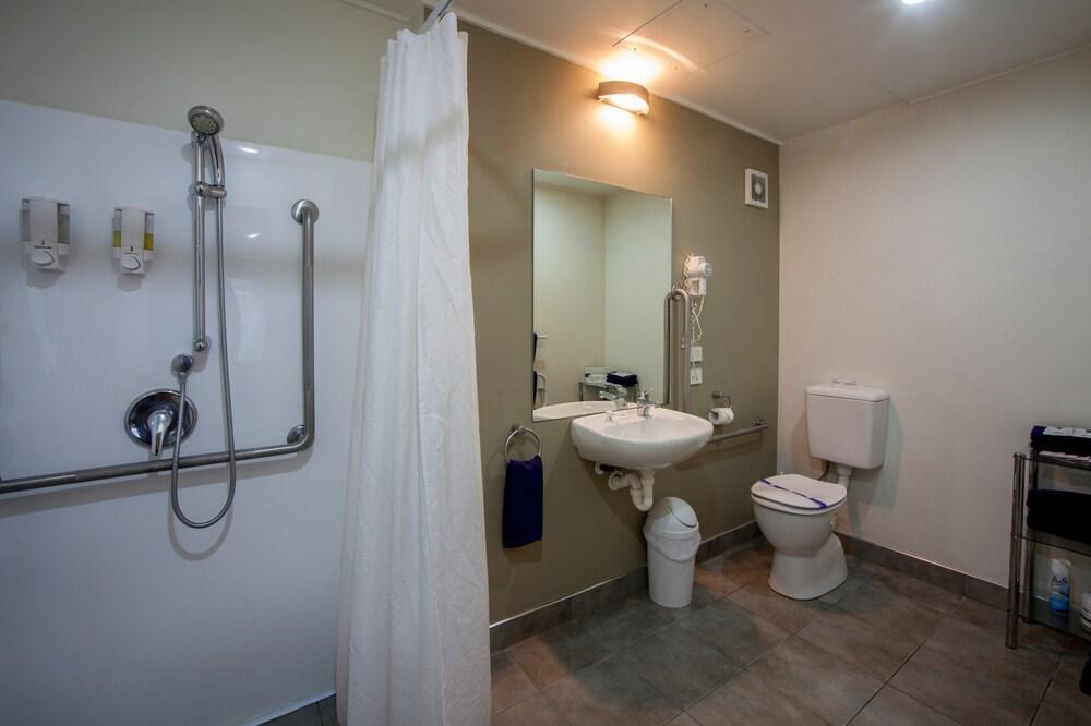 Gallery image of Landmark Manor Motel