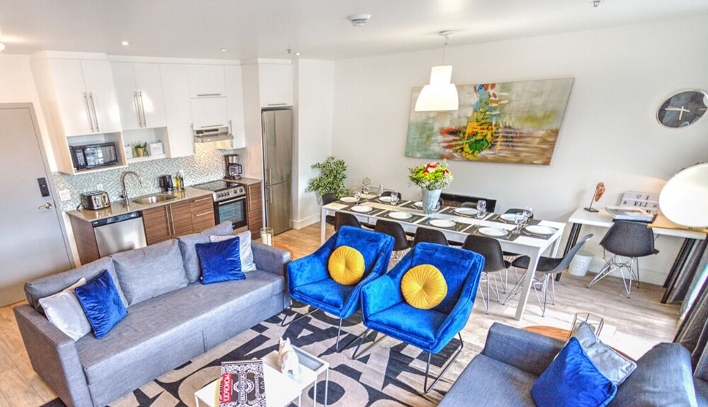 Downtown Central 3 Bedrooms Rooftop BBQ by Liv Mtl 503